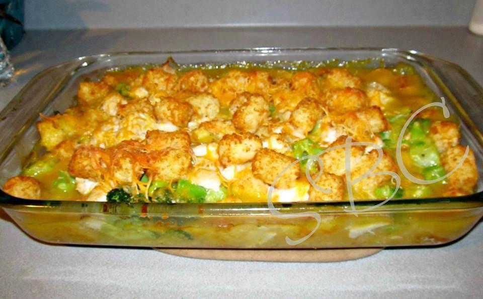 Cheesy chicken broccoli & tater tot bake